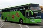 zielony chiński autobus